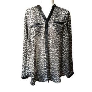 Torrid studded collar cheetah print blouse sz 1X